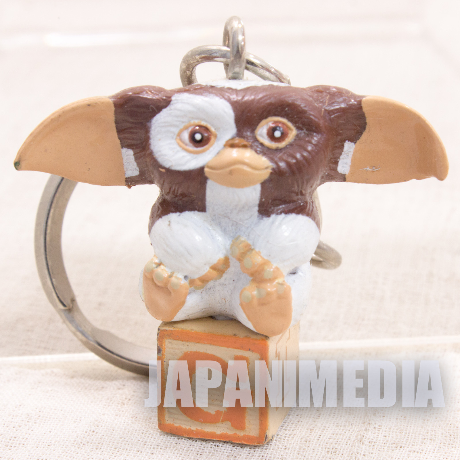 Gremlins Gizmo on Block Mascot Figure Keychain #2 JAPAN