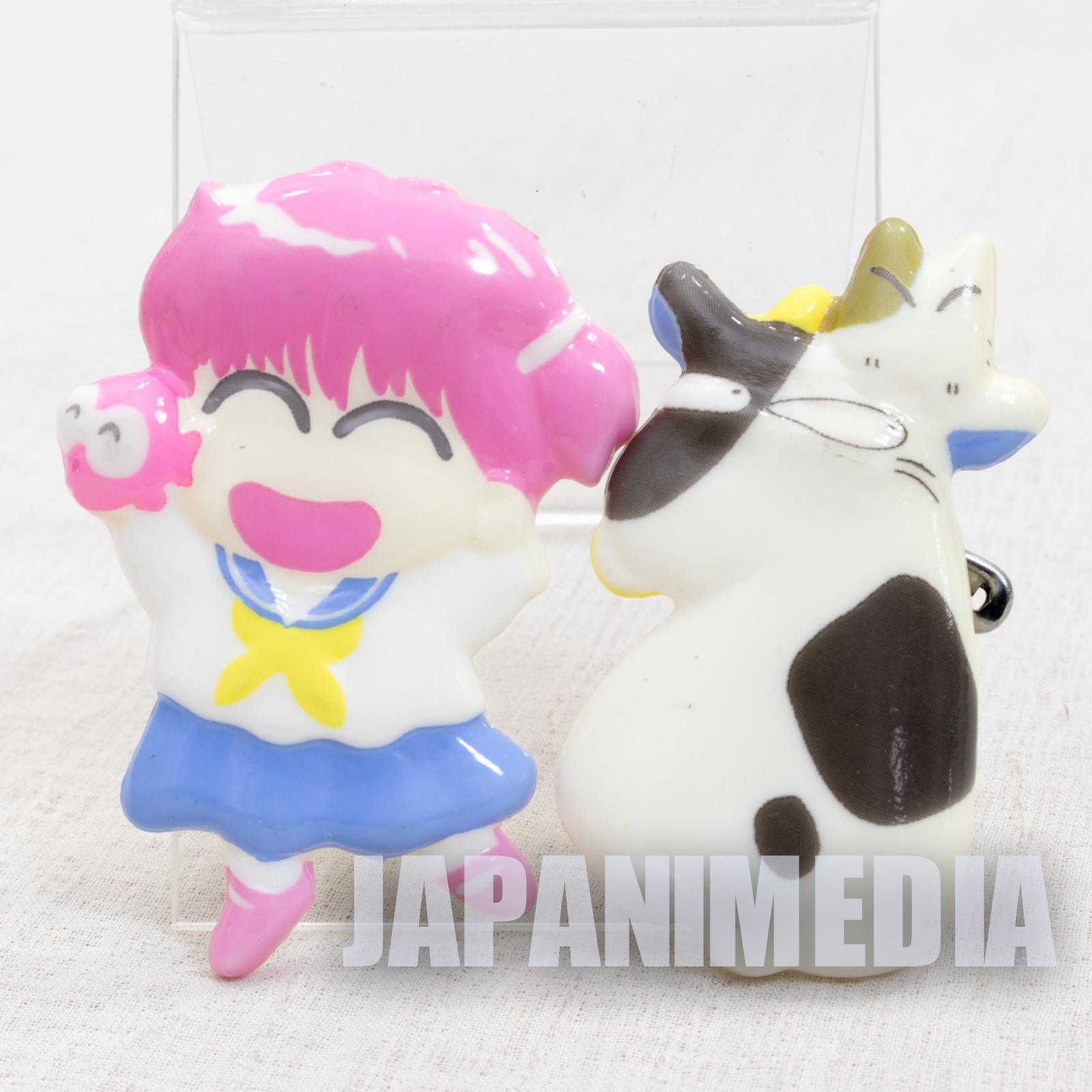 RARE! Goldfish Warning! Wapiko & Gyopi-chan Ushi & Cat Plastic Button Badge 2pc Set JAPAN ANIME MANGA
