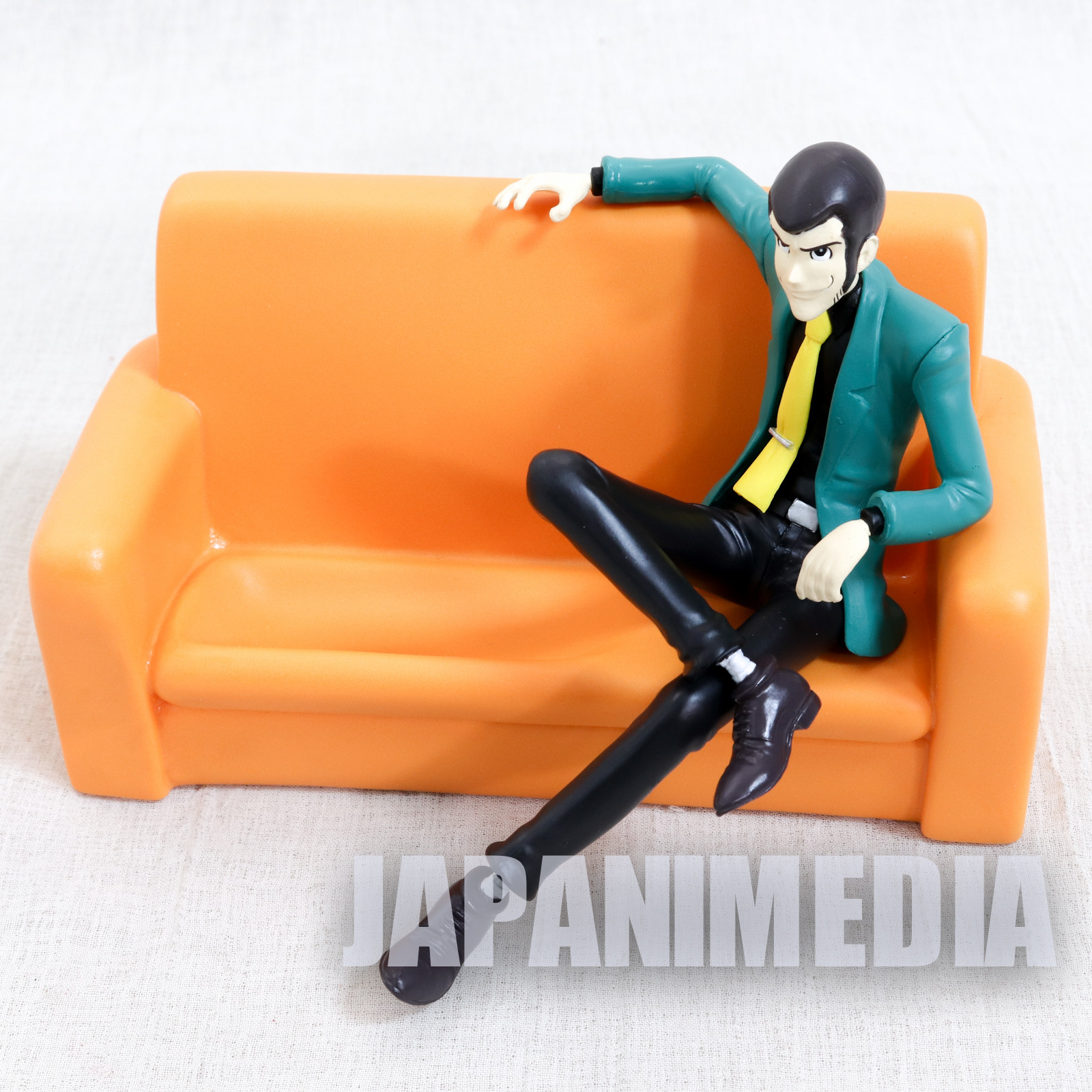 Lupin the Third (3rd) Lupin on Sofa Figure Cell Phone Stand Banpresto
