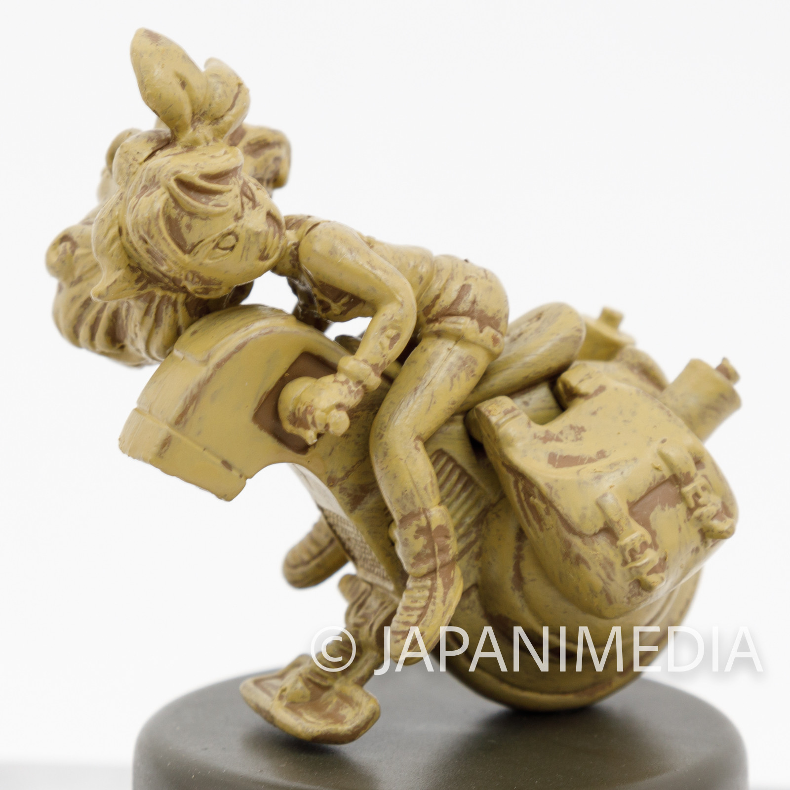 Dragon Ball Non-colored Miniature Figure Lunch on Motorcycle