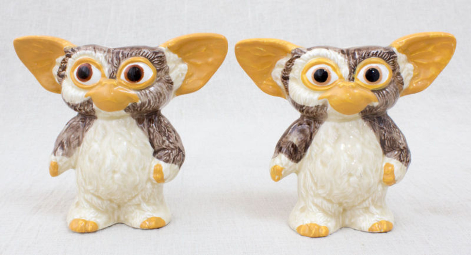 "Gremlins GIZMO Ceramic Figure 3.5"" Salt & Pepper Set JAPAN"