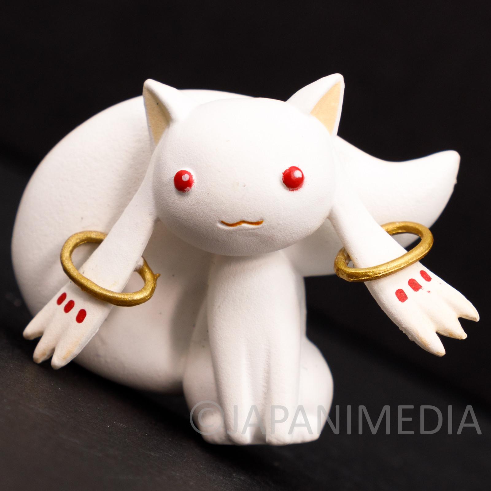 Puella Magi Madoka Kyubey Relief Mascot Magnet Takara Tomy JAPAN ANIME