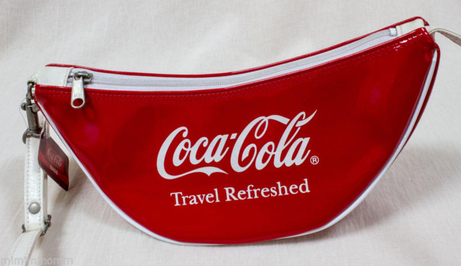 "Coca-Cola ""Travel Refreshed"" Vinyl Crossbody Bag LIFE STYLE Co.,LTD"