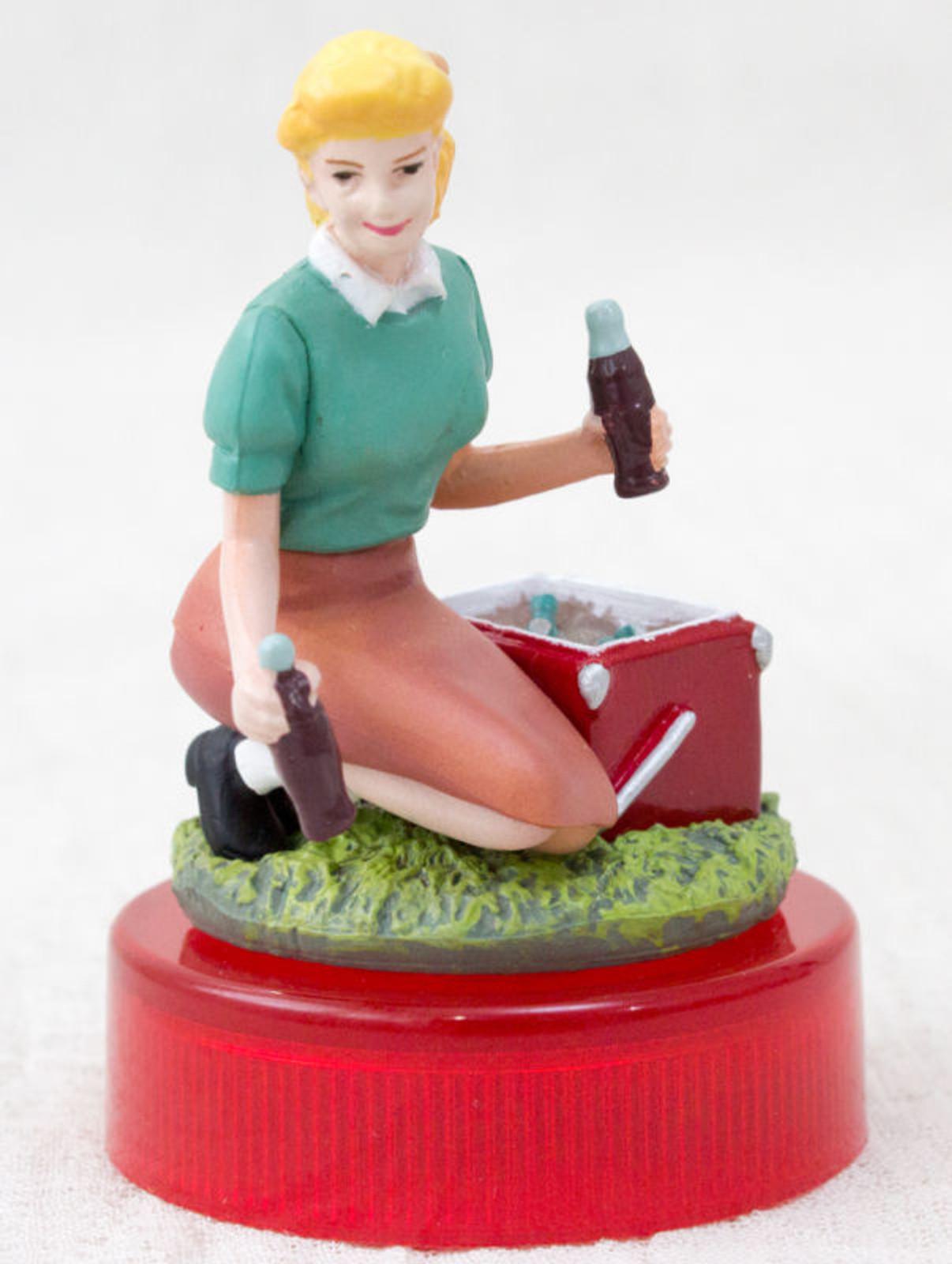 Coca-Cola Graffiti Picnic Cooler & Woman Toy Miniature Figure Kaiyodo JAPAN