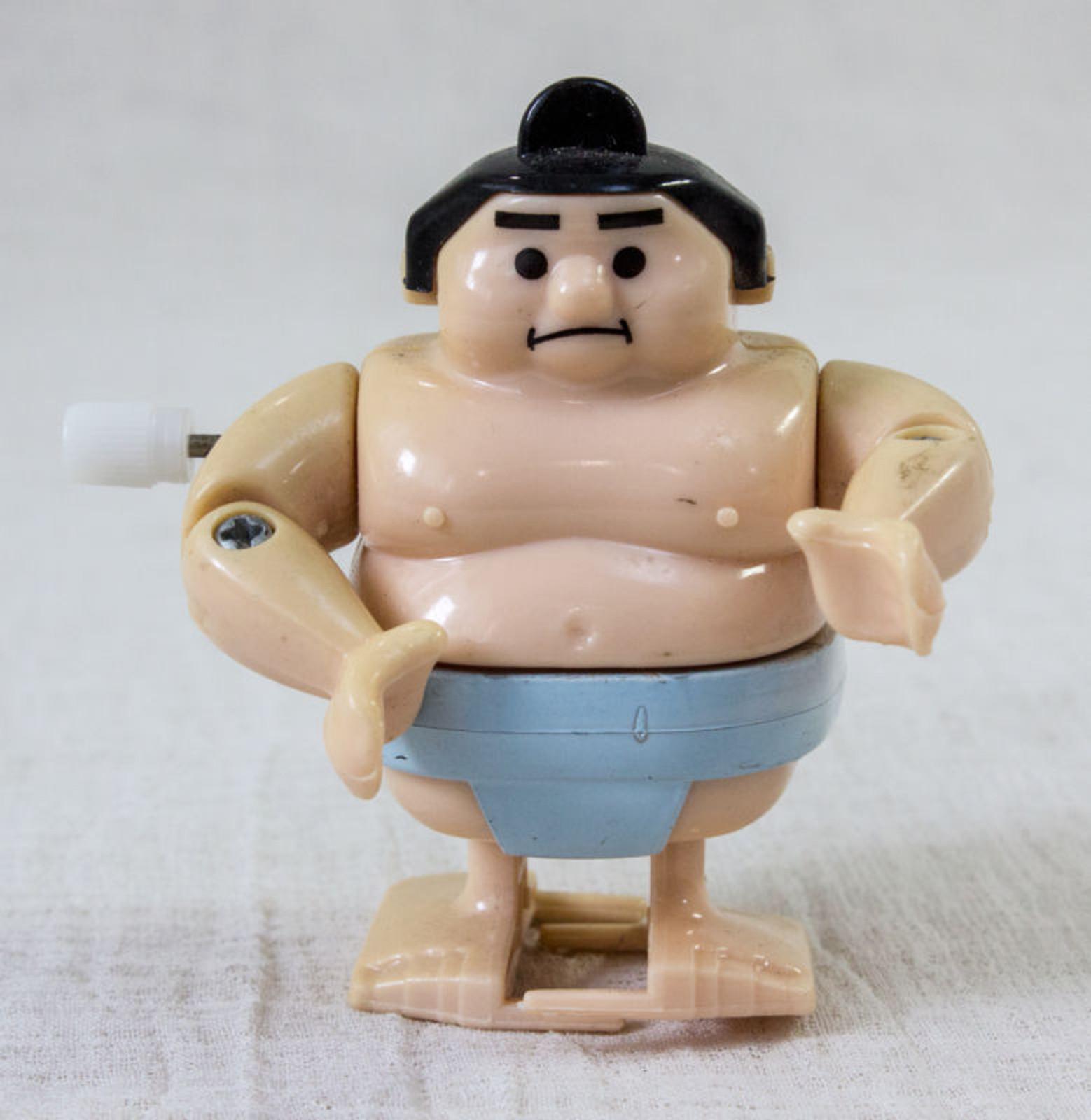 JUNK ITEM : Sumo Wrestler Wind-Up Mini Figure 80's Retro JAPAN TOY