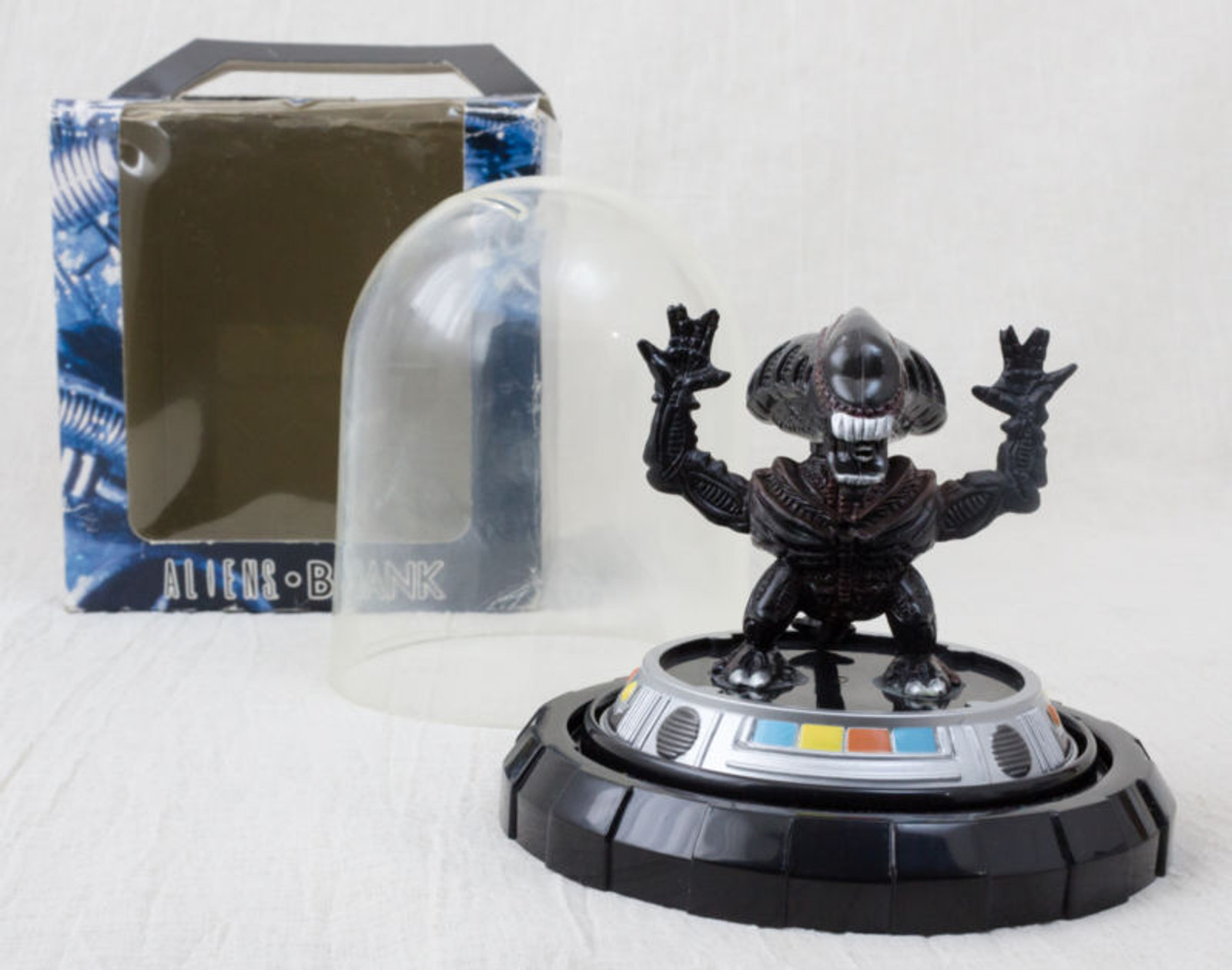 ALIEN in Capsule Figure Coin Bank Dark Brown Ver. JAPAN