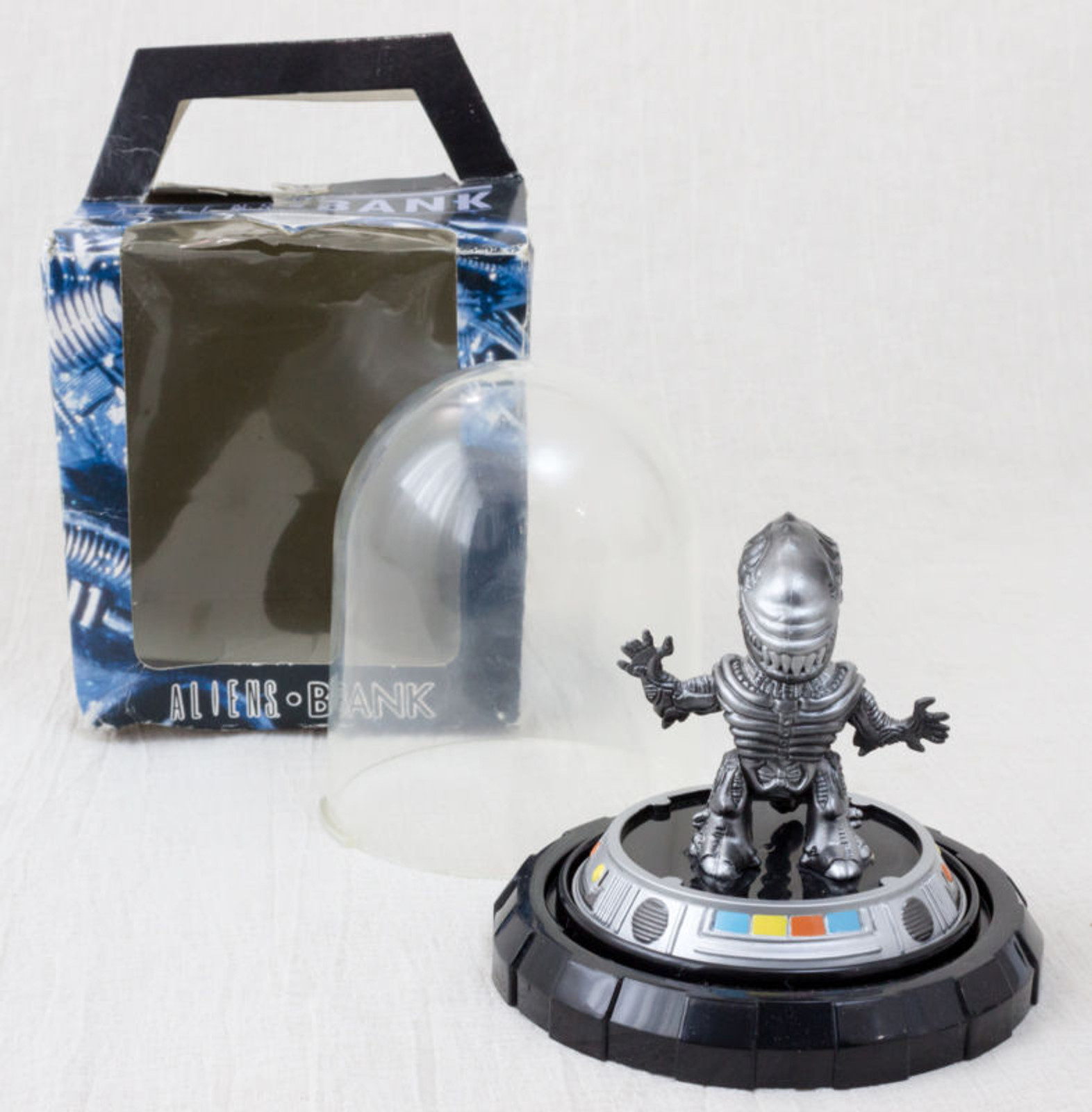 ALIEN in Capsule Figure Coin Bank Silver Ver. JAPAN