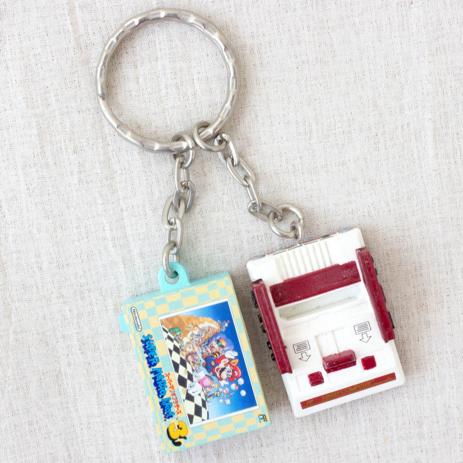 Nintendo Game Console Miniature Figure Key Chain Famicom & Super Mario 3 NES 2