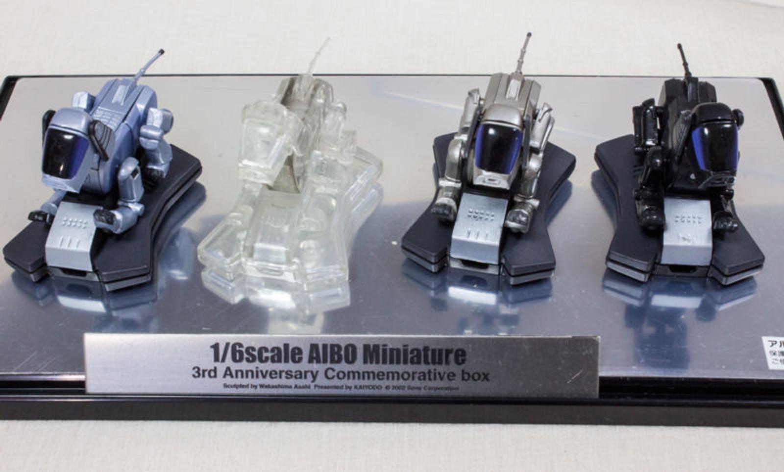 AIBO 1/6 Scale Miniature Figure 3rd Annniversaru Commemorative Box Kaiyodo JAPAN