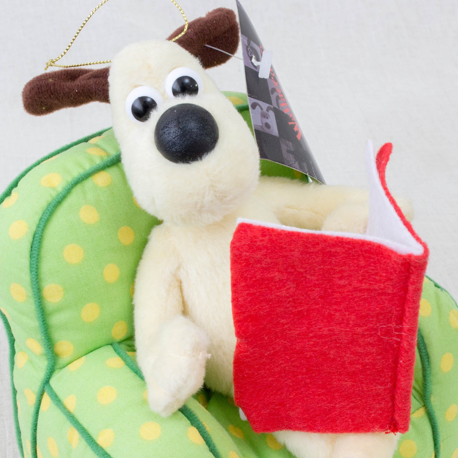 RARE! Wallace & Gromit GROMIT reading book on Sofa Plush Doll AArdman ANIME