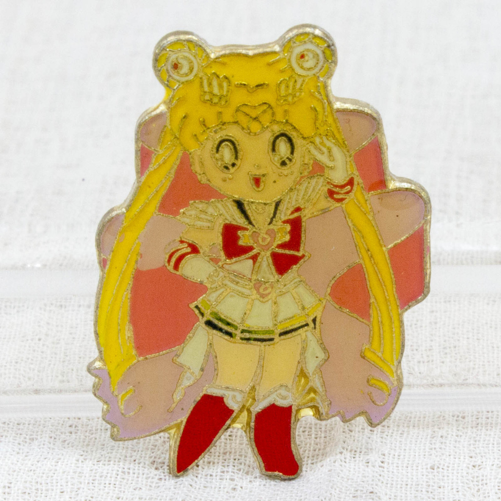 Sailor Moon Sailor Moon (Usagi Tsukino) Metal Pins Badge JAPAN ANIME MANGA 1