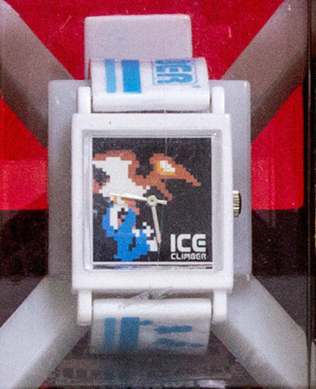RARE Nintendo Wristwatch In Cubecase Ice Climber Banpresto JAPAN GAME NES