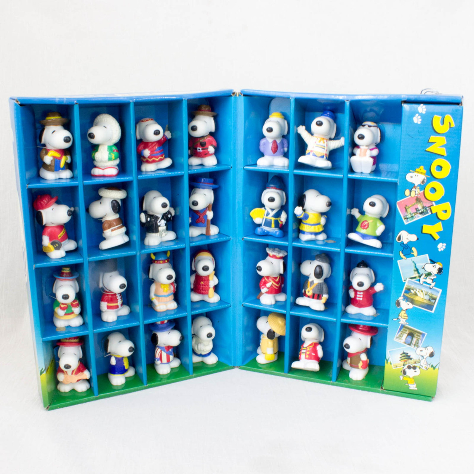 Snoopy Collectable Mini Figure Box 28pc World Costume Figure Peanuts