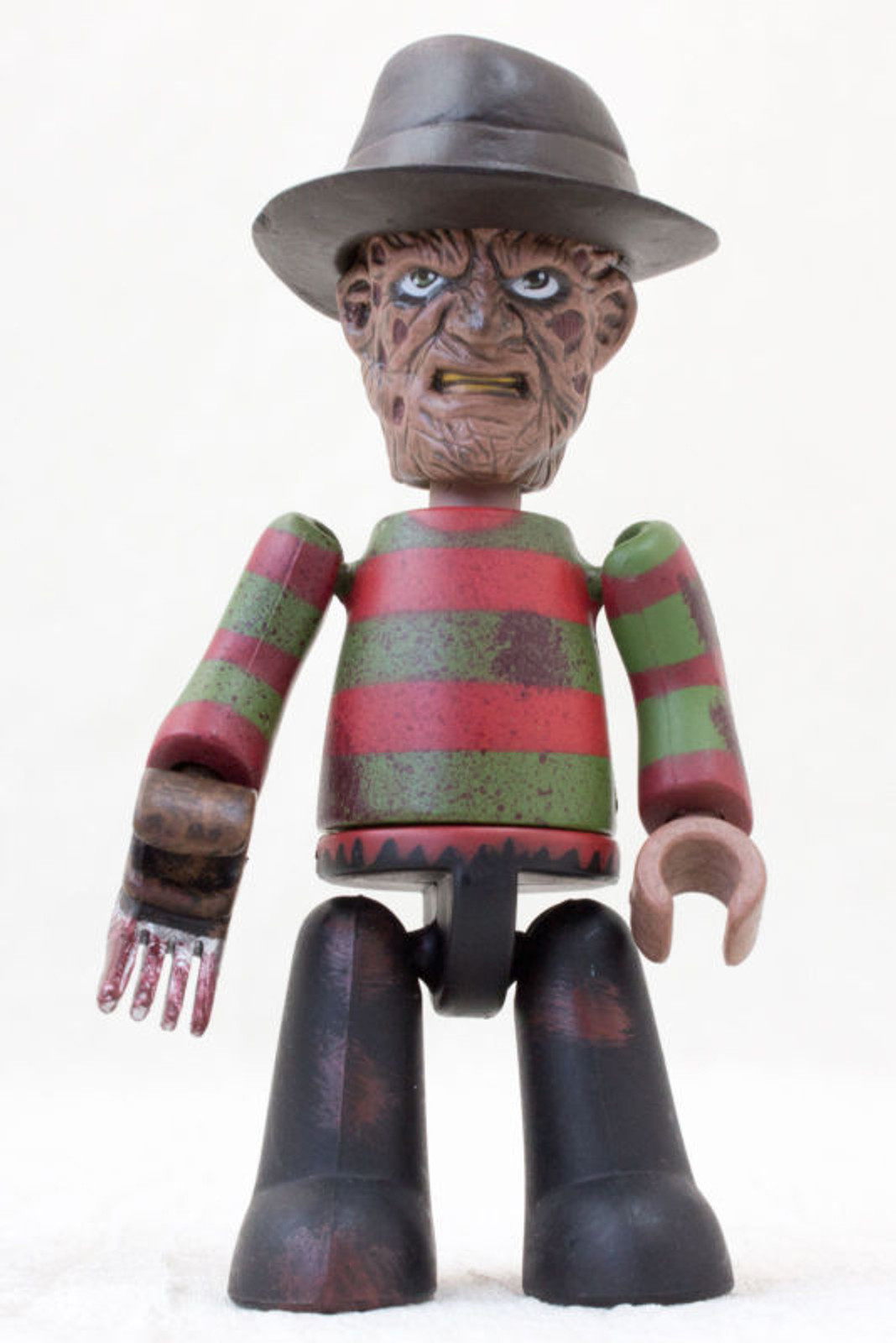 A Nightmare on Elm Street FREDDY KRUEGER Mini Figure Mezco Freddy VS. Jason