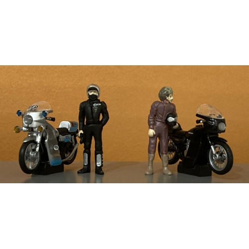 Mad Max Motor Bikes & Riders Set