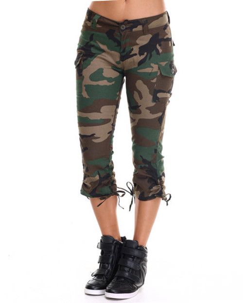 Women's Camo Capri Pants