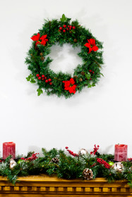 20 inch christmas wreath with poinsettias