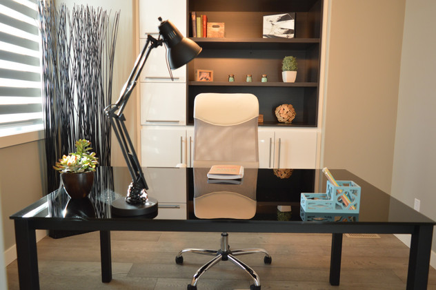 10 Tips on How to Decorate a Home Office