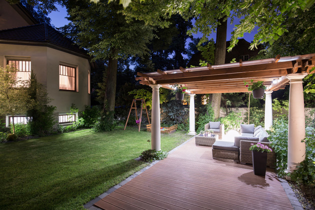 7 Benefits of Outdoor LED Lighting for New Homeowners