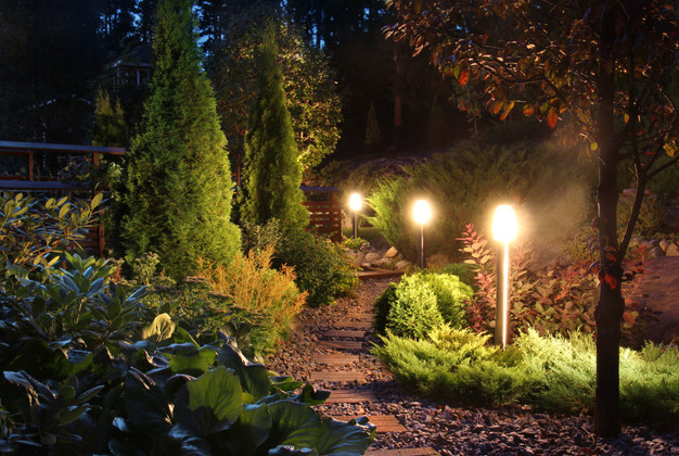 8 Easy Steps to Light Up Your Yard