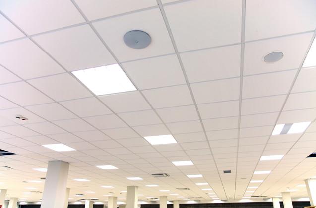 7 Advantages Of Using LED Panel Lights VS Tube Lights