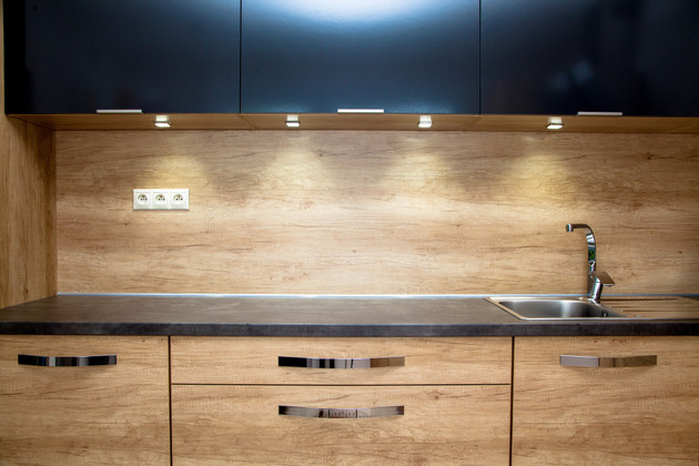3 Beautiful Kitchen Under Cabinet LED Lighting Designs for Your Home