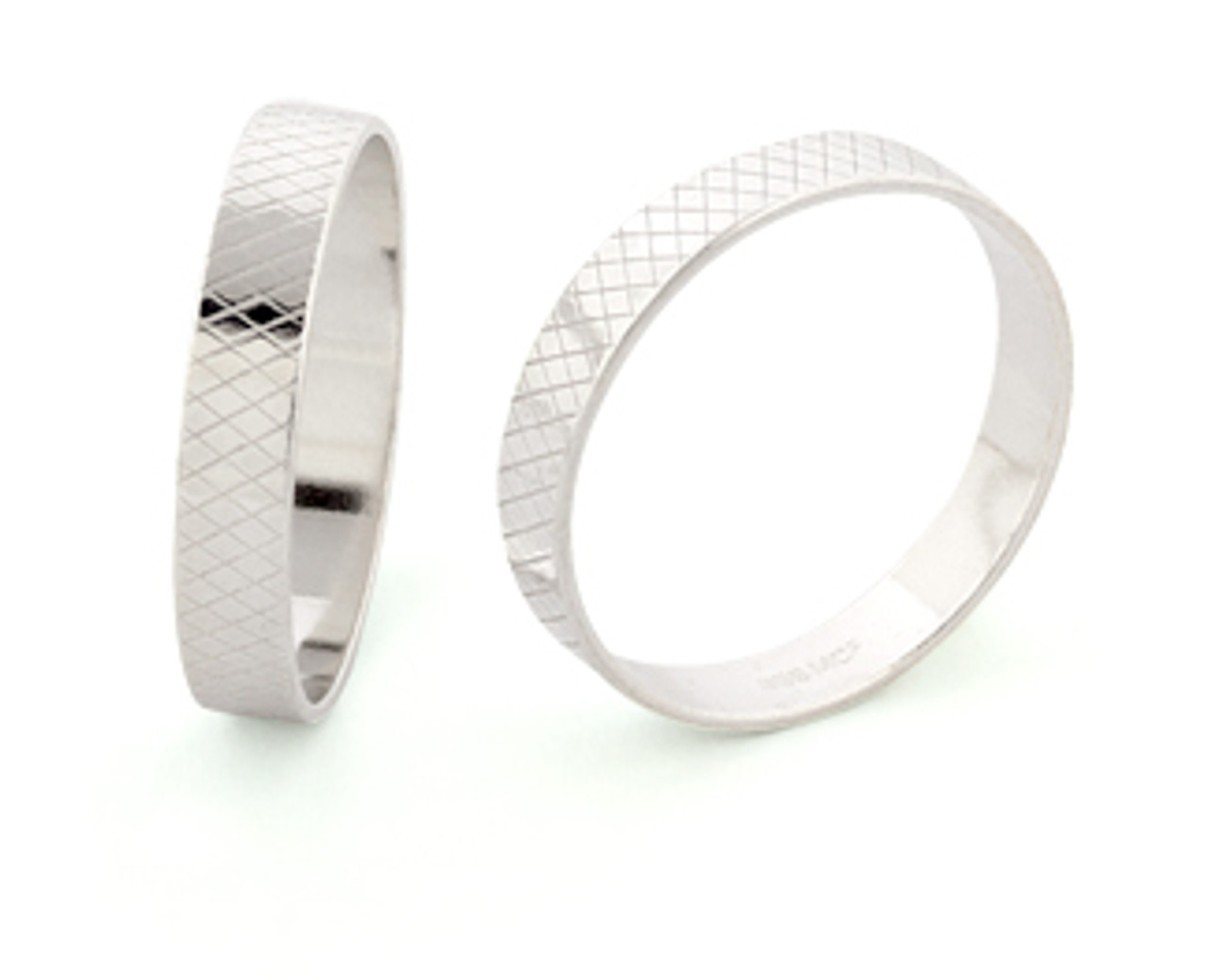 4mm Wide Ring Liner - Size 13