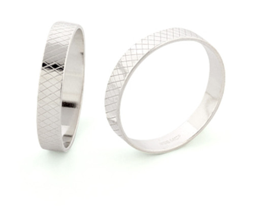 4mm Wide Ring Liner - Size 8