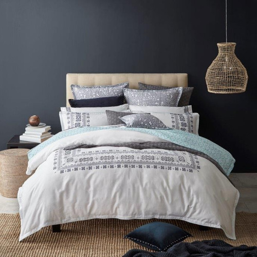 Royal Doulton Finn Silver Queen Bed Quilt Cover Set