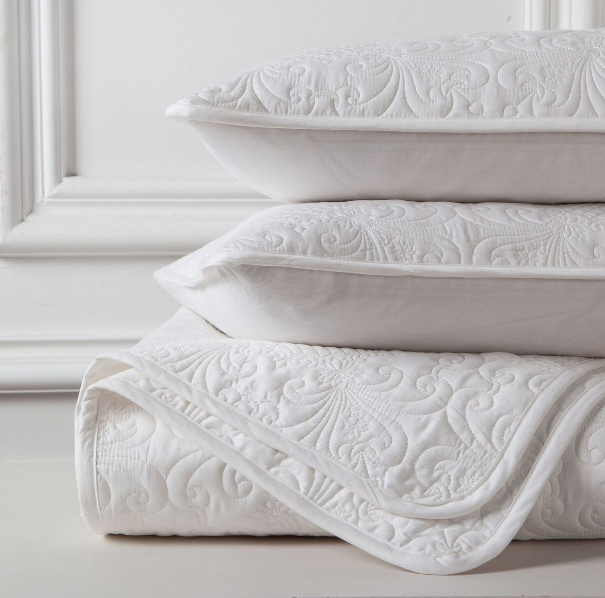 Gioia Casa Lisbon Quilted Coverlete White   King/Queen