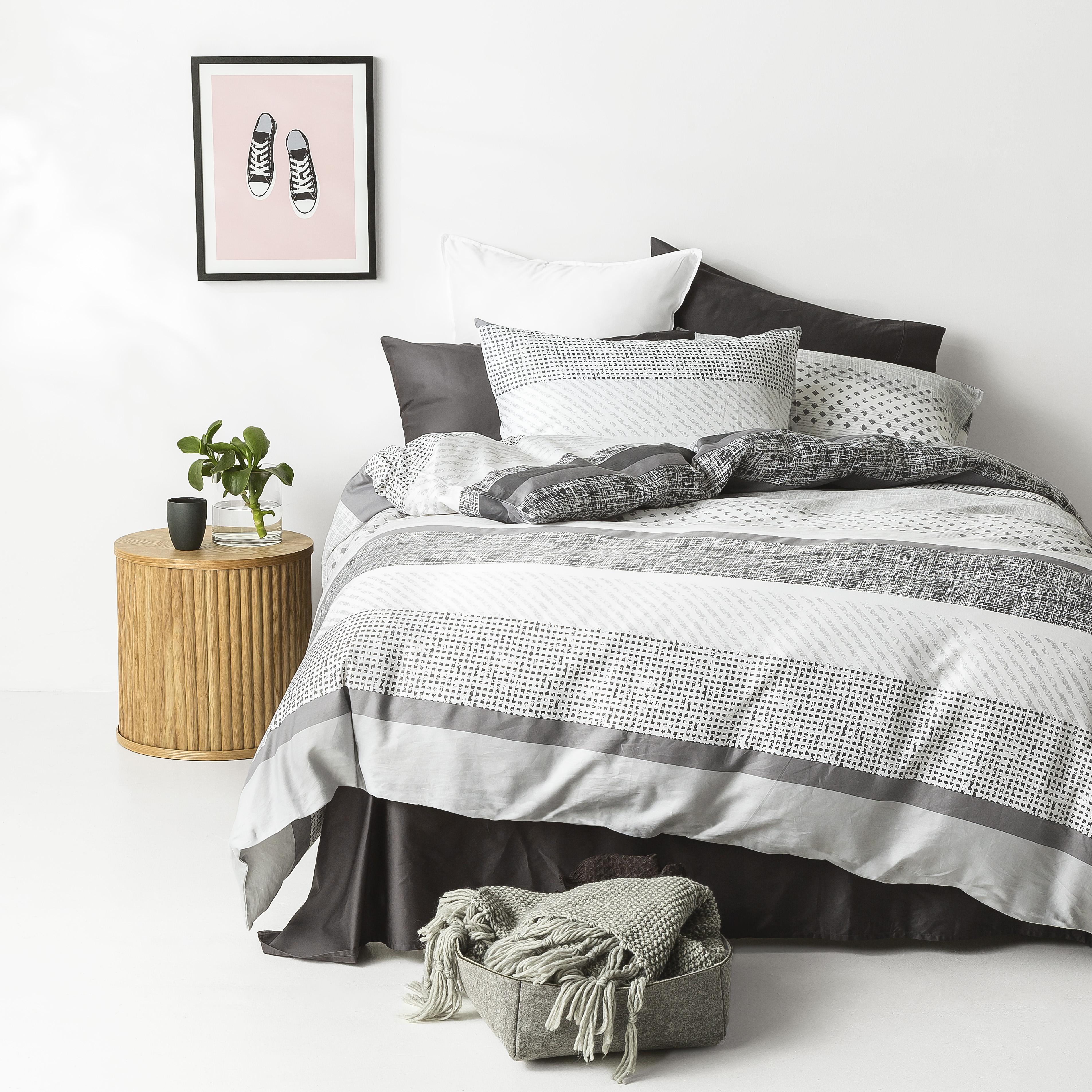 In2linen Saxon 100% Cotton 300 thread Quilt Cover Set | Charcoal