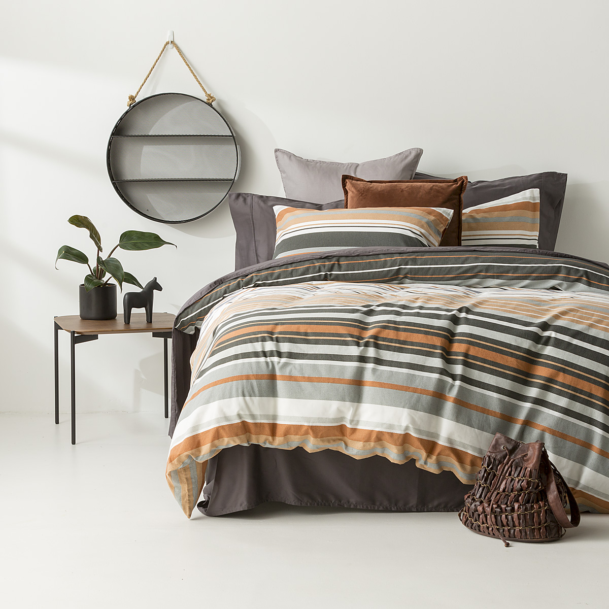 In2linen Alex 100% Cotton 300 thread Quilt Cover Set | Charcoal/Rust