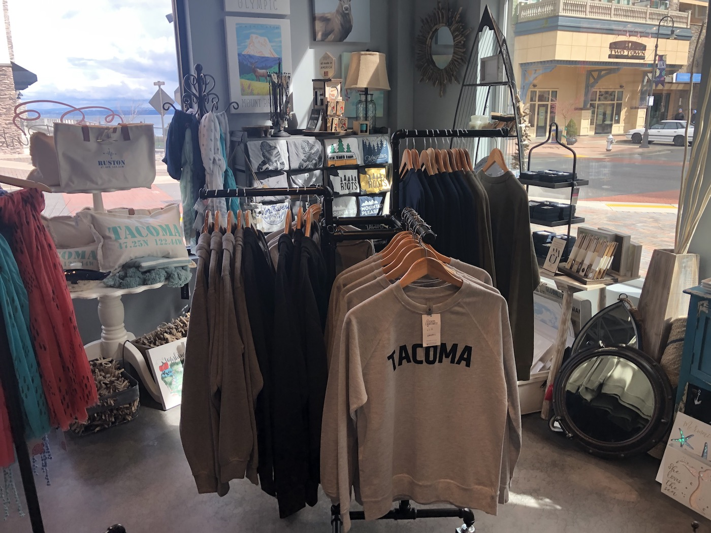 tickled-pink-clothing-store-ruston.jpg