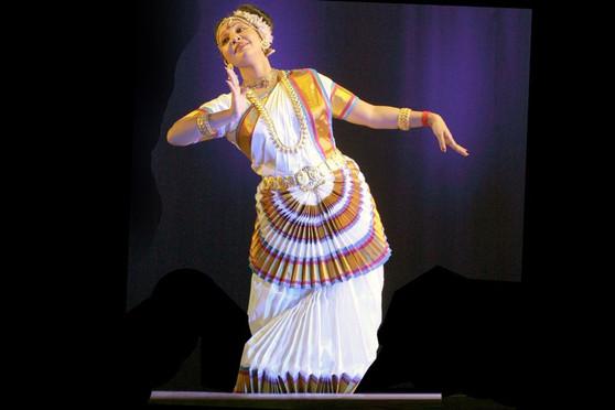 Mohiniyattam dance costume Custom Stitched