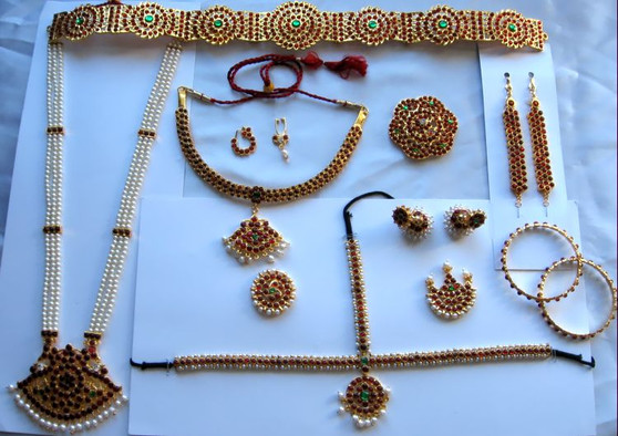 Single line Temple jewelry set