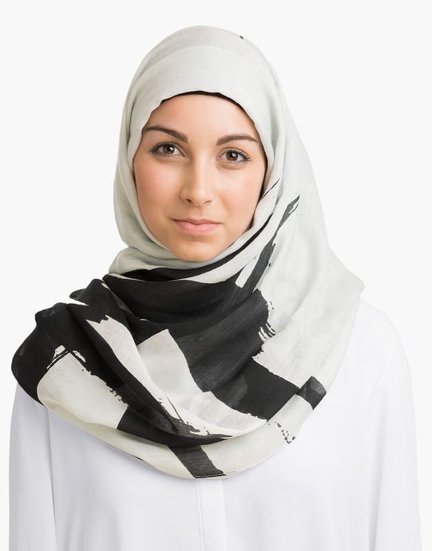 Brushstrokes Hijab