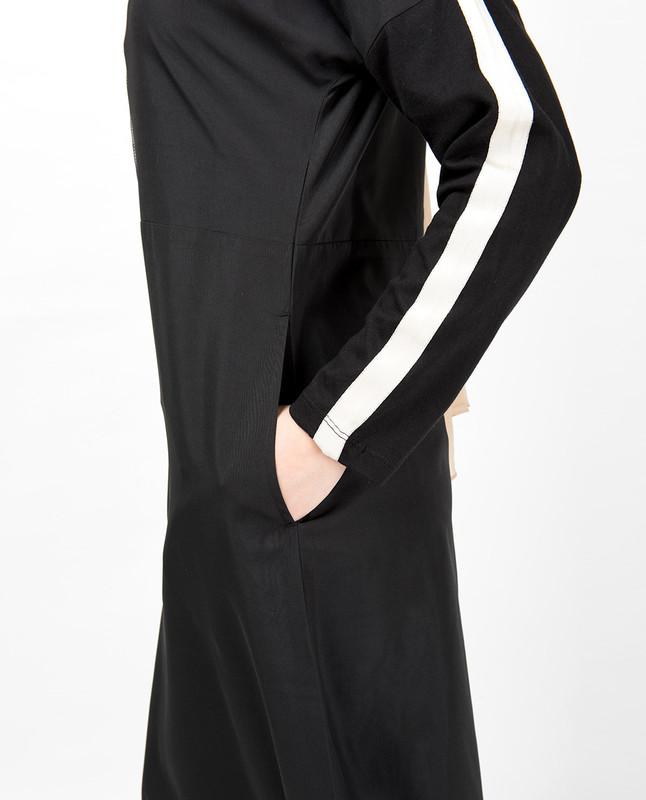 Black Dropped Shoulder Floral Jilbab