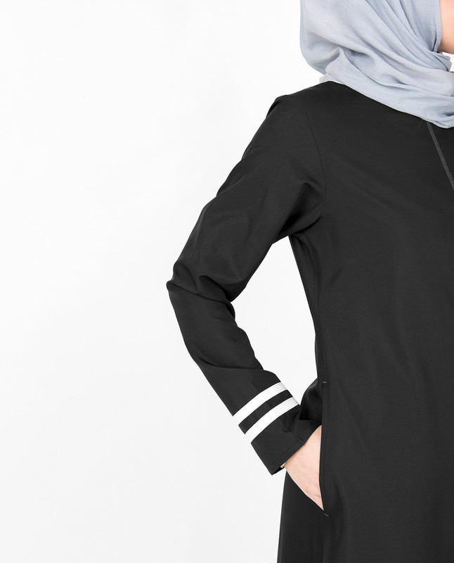 Black & White Top Stitch Jilbab