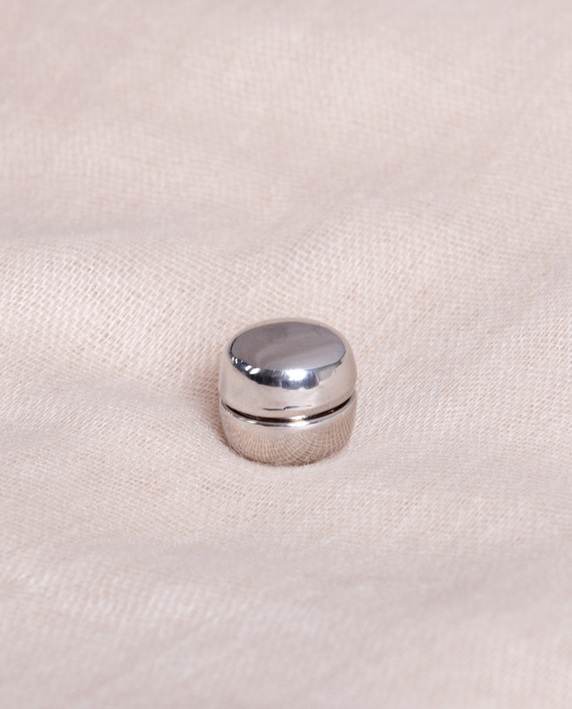 White Shine Circle Shaped Hijab Magnets