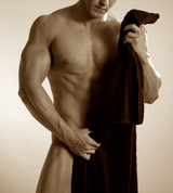 What are the options for removing pubic hair on men at home?