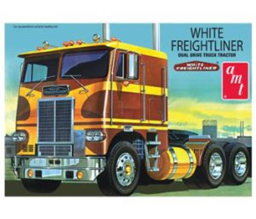 AMT 620 White Freightliner Truck 1/25