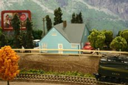 Imex 6312 N Scale Levittown Model A House