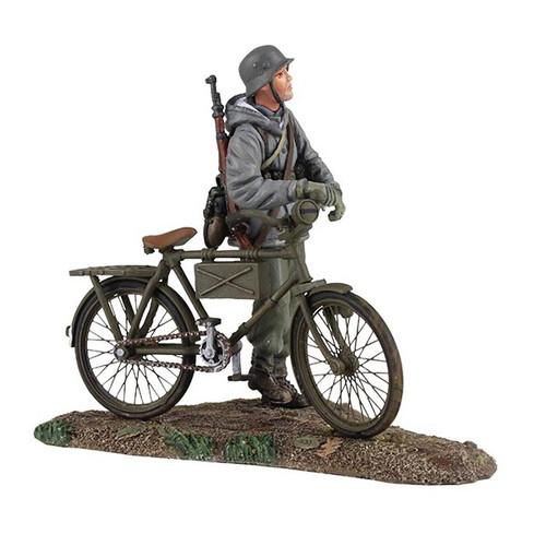 W Britain Soldier German Volkgrenadier Wearing Parka Pushing Bicycle No. 1