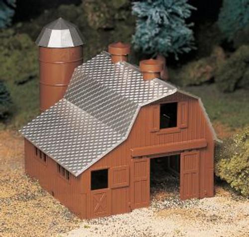 Bachmann 45602 O Scale Dairy Barn