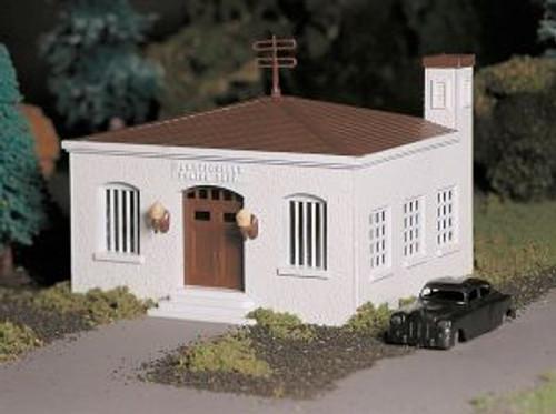 Bachmann 45609 O Police Station w/Car