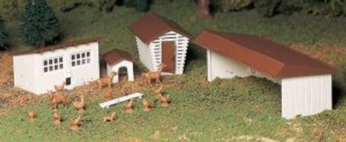 Bachmann 45604 O Farm Out-Buildings 3 piece