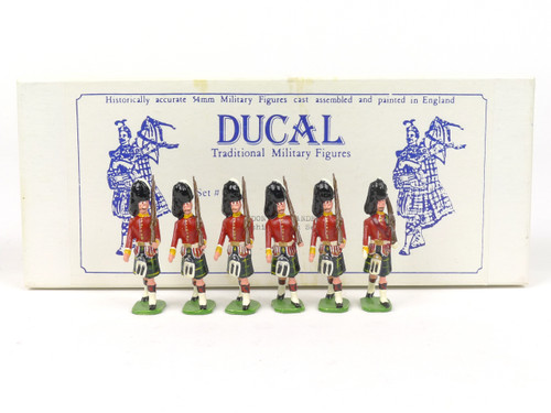 Ducal Military Figures 187B Gordon Highlanders Marching with Sergeant