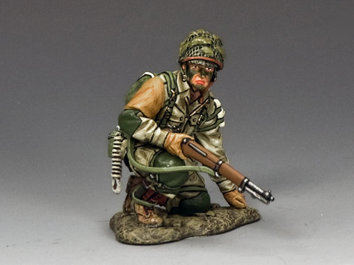 King & Country DD213 Kneeling Ready with M1 Garand American D-Day