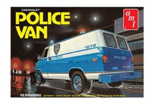 AMT Model Kits 1123 1/25 Chevy Police Van (NYPD) Skill 2