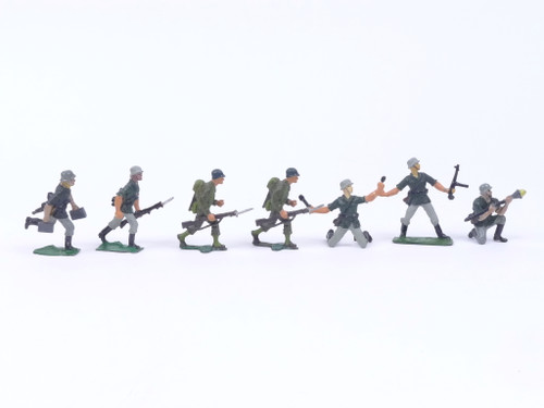 Authenticast Comet Toy Soldiers 711 German Raiding Party 1945